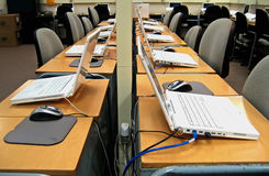 Laboratorio 3 del ordenador Foto de archivo libre de regalías