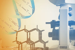 Laboratorio de ciencia con tema químico Imagen de archivo