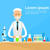 Laboratorio di Working Research Chemical dello scienziato royalty illustrazione gratis