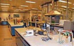 Laboratorio para las pruebas químicas Imagen de archivo libre de regalías