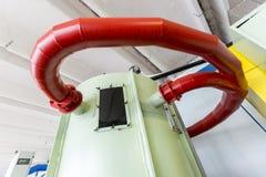 Laboratorio a scuola Tubi del metallo Fotografie Stock