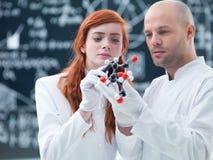 Laboratorium moleculaire analyse Stock Foto's