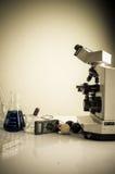 Laboratorium naukowe z chemicznym tematem Obraz Stock