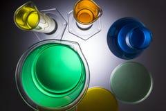 Laborausstattungsbecher-Reagenzgläser Stockfotografie