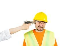 Laborer κάτω από την απειλή του θανάτου, που ζητά να είναι εργασία που απομονώνεται στο λευκό στοκ εικόνες με δικαίωμα ελεύθερης χρήσης