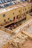 Laborers που εργάζεται στο φλοιό Chouwara Fez EL Μπαλί Medina Μαρόκο Στοκ Φωτογραφία