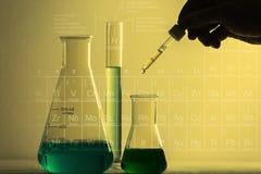 Laborglaswaren stockbilder