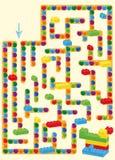 labyrint met stuk speelgoed en ballen van kinderen de het plastic bakstenen Stock Afbeeldingen
