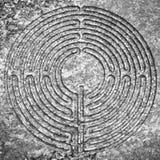 Labyrint som snidas på stenen Arkivbilder