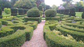 Labyrintgräsplan parkerar Arkivfoton