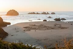 Free Labyrinth On Face Rock Beach Stock Image - 183431711