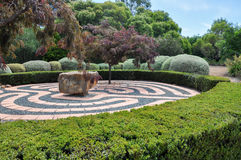 Labyrinthe de marche dans les jardins botaniques Image libre de droits