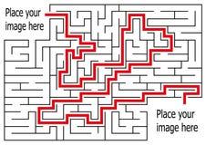 Labyrinthe de rectangle avec l'entrée et la sortie puzzle de labyrinthe de jeu de vecteur avec la solution Photo libre de droits