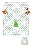Labyrintspel - de uilen maken de Kerstmisboom in orde Stock Foto