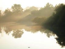 Lac à l'aube Photographie stock libre de droits