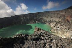 Lac acide chez Kawah Ijen, Java-Orientale, Indonésie Images libres de droits
