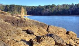 Lac Allatoona, parc d'état de montagne d'agrostide blanche, la Géorgie, Etats-Unis Photos libres de droits