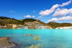 Lac alors créé de la mine de charbon noyée photographie stock libre de droits
