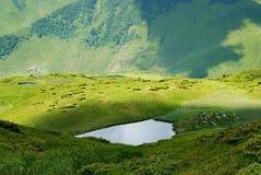 Lac alpestre de montagne Photos libres de droits