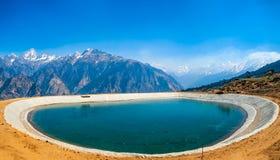 Lac artificiel de l'Himalaya photographie stock libre de droits