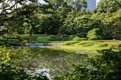 Lac au jardin Images libres de droits