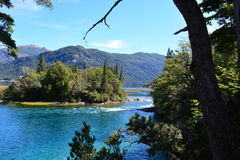 Lac au parc national de visibilité directe Alerces, Esquel, Argentine image stock