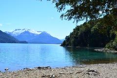 Lac au parc national de visibilité directe Alerces, Esquel, Argentine Photographie stock