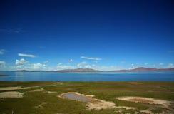 Lac au Thibet Photos stock