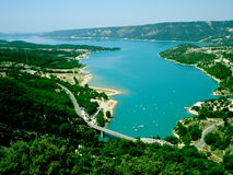 Lac avec des bateaux Image libre de droits