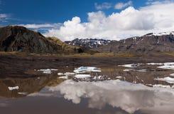Lac avec des icebergs en Islande Image libre de droits