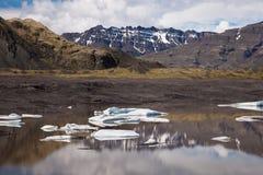 Lac avec des icebergs, Islande Photos stock