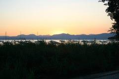 Lac avec des yachts Images libres de droits