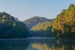 Lac avec le myst Images libres de droits