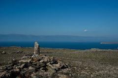 Lac Baikal près de villahe de Khuzhir à l'île d'Olkhon en Sibérie, Russie Photographie stock libre de droits