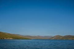 Lac Baikal près de villahe de Khuzhir à l'île d'Olkhon en Sibérie, Russie Photographie stock