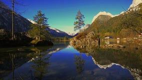 Lac bavarois Hintersee, Allemagne banque de vidéos