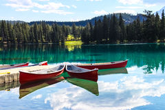 Lac Beauvert, Jasper national park Royalty Free Stock Photo