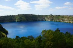 Lac bleu, bâti Gambier image libre de droits