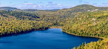 Lac bleu en parc de sept automnes Image stock