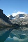 Lac bow, réflexions de montagne, Photos libres de droits