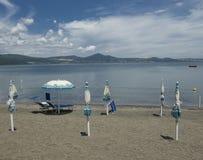 Lac Bracciano, Latium, Italie Photos stock