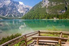 Lac Braies, dolomites Photographie stock libre de droits