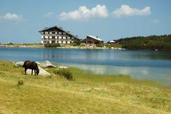 Lac célèbre Bezbog en montagnes de Pirin, Bulgarie Photos libres de droits