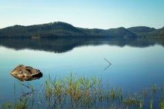 Lac calme dans le Canada Photo libre de droits