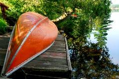 Lac canoe photographie stock libre de droits