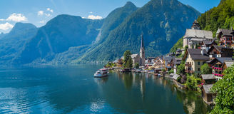 Lac chez Hallstatt, Autriche Photos stock