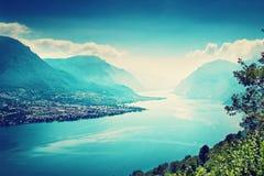 Lac Como et les Alpes photo libre de droits