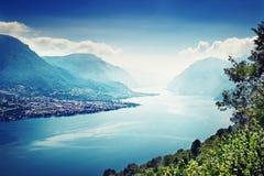 Lac Como et les Alpes photographie stock libre de droits