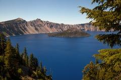 Lac crater d'île de magicien Image stock