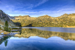 Lac d`Aubert in Neouvielle Massif Stock Images
